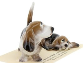 Hagen Renaker Dog Basset Hound Papa and Pup Lying Ceramic Figurine Set image 7