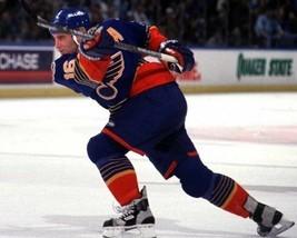BRETT HULL 8X10 PHOTO HOCKEY ST. LOUIS BLUES PICTURE NHL SLAP SHOT - £2.89 GBP