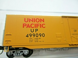 Micro-Trains # 18100141 Union Pacific 50' Standard Boxcar Plug Doors N-Scale image 2