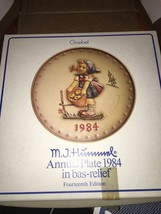 Goebel Hummel Annual 1984 Girl Basket Tree 14th Edition Collector Plate NIB - $25.00