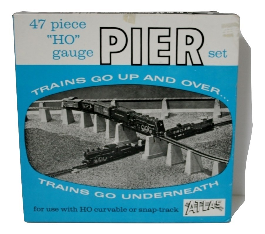 "Atlas HO Pier set, New 47 Piece #80, w/Track Lock, Grade 1/4"" to 3"" back to 1/4"""