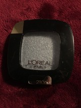 L'Oreal Colour Riche.  Eyeshadow, #210 Argentic (Shimmer). NEW - $12.75