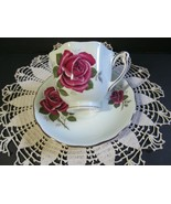 COLCLOUGH Bone China Tea Cup & Saucer Red Roses Pattern England Vtg - $17.82