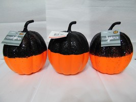 HOLLOWEEN PUMPKINS 7 1/2 in tall 5 in. wide foam with glitter lot of 3  ... - €6,41 EUR