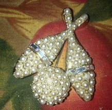 VINTAGE BROOCH BOWLING BALL PIN Singed Antique Pearl Rare COLLECTiBLE - $14.85