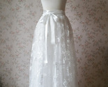 Weddingskirt1 thumb155 crop