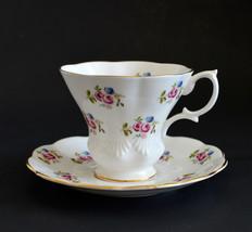 Lavender Roses Floral Design Teacup & Saucer Royal Albert Bone China Eng... - $20.16