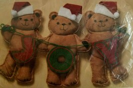 Creative Circle 2328 Joy Bears Felt Teddy Bear Christmas Decoration NEW - $10.00