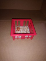 Vintage 1972 Fisher Price #761 Little People Baby Nursery Crib - $8.25