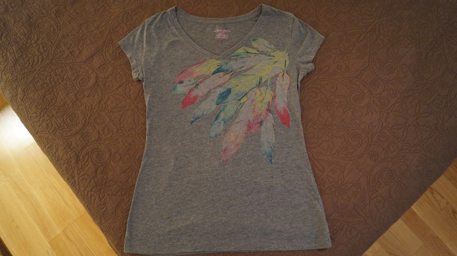 Feathers, MINT CONDITION, Womens Small T-Shirt