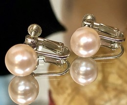 Vintage 1950s Faux Pearl Champagne Colored Screw Back Clip On Earrings EVC - $12.00