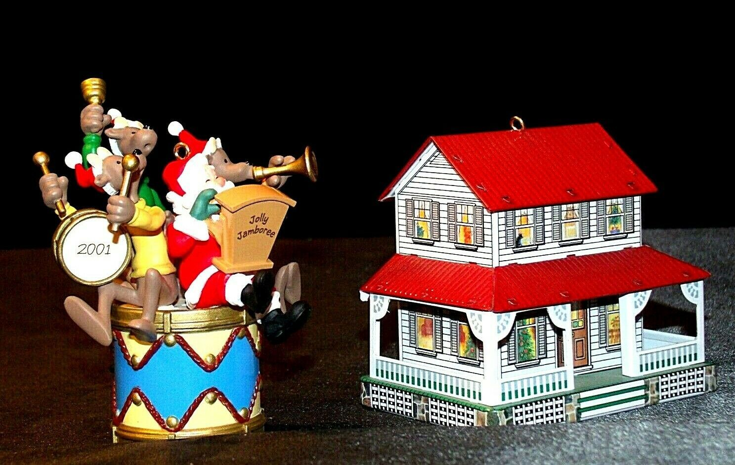 Hallmark Keepsake Ornaments Kris and the Kringles & Farm House AA-191792B  Colle