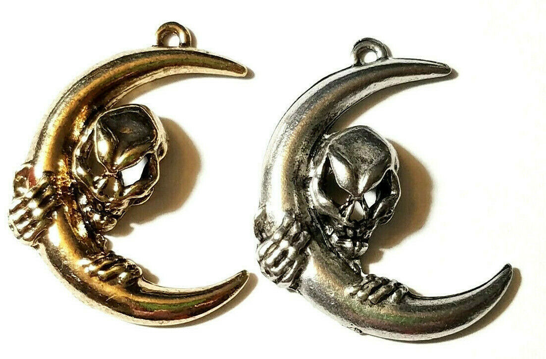 LARGE ALIEN / SKULL AND MOON FINE PEWTER PENDANT - 23mm x 30mm x 5mm