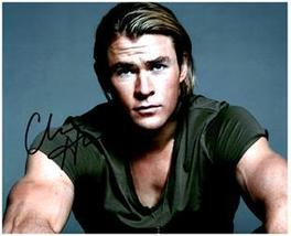 CHRIS HEMSWORTH  Authentic Original SIGNED AUTOGRAPHED PHOTO w/ COA 2190 - $75.00