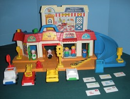 Vintage Fisher Price Play Family #2500 Mainstreet Complete with Mail! VG... - $80.00