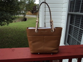 Authentic Michael Kors Bedford TZ Pocket Tote Acorn Brown Leather NWT G ... - $148.49