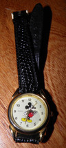 Disney Woman's Mickey Mouse Leather Band Watch Buy It Now Save $$$ - $398,66 MXN