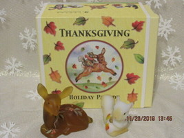 FENTON ART GLASS 2004 HOLIDAY PARADE OF ANIMALS THANKSGIVING FAWN/SQUIRR... - $125.00