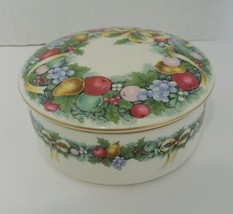 Mikasa Christmas Bouquet Round Box with Lid Ribbon Garland Fruit Japan U... - $19.79