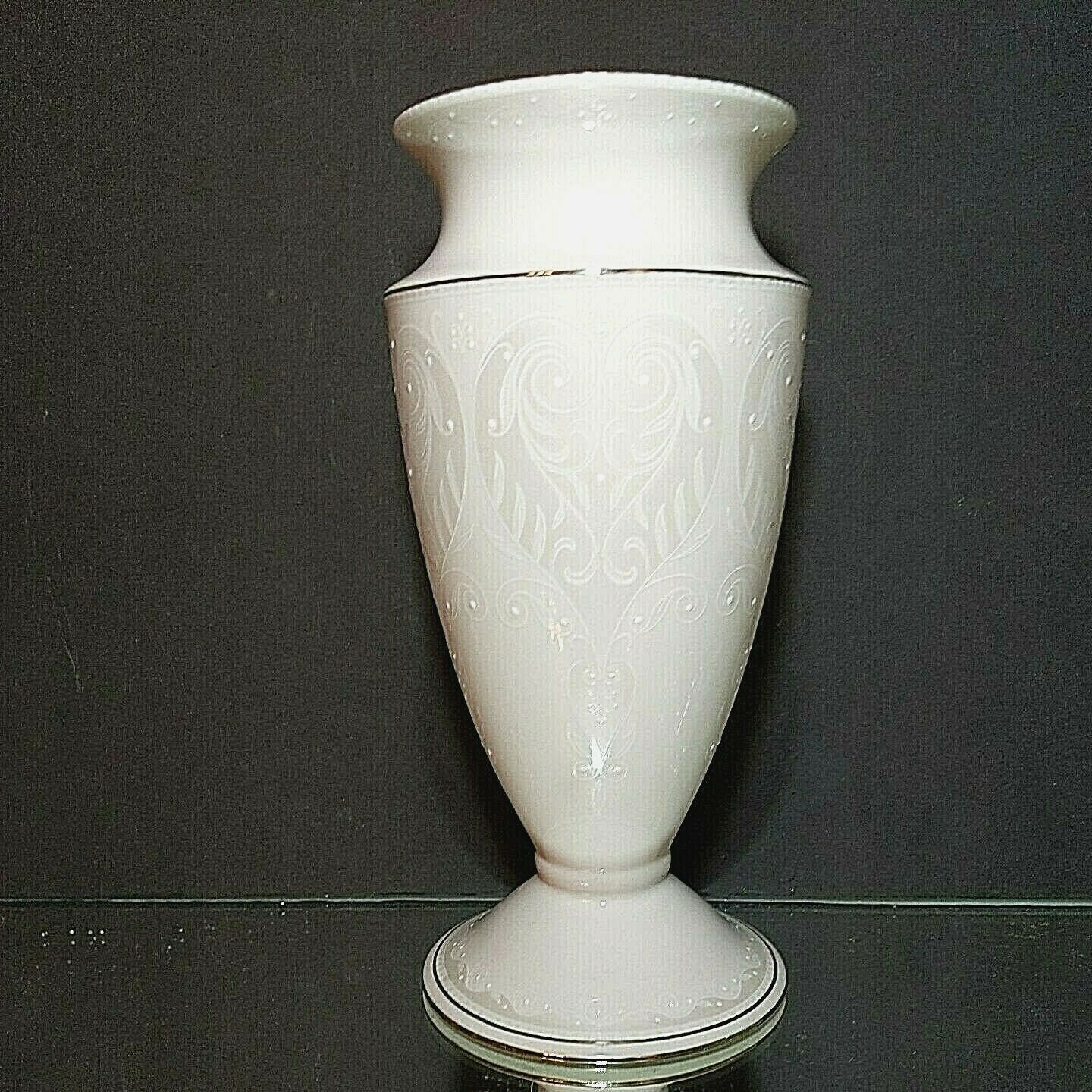 "Primary image for 1 LENOX OPAL INNOCENCE Wedding Collection Stunning 9"" Vase-Signed New With Tag"