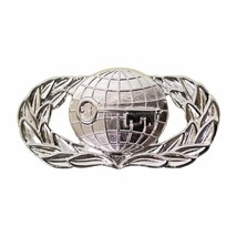 Mid Size Genuine U.S. Air Force (Usaf) Breast Badge: Intelligence - $14.83