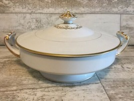 Noritake GOLDCROFT 4983 Round Covered Vegetable Bowl Serving Dish with Lid - $28.04