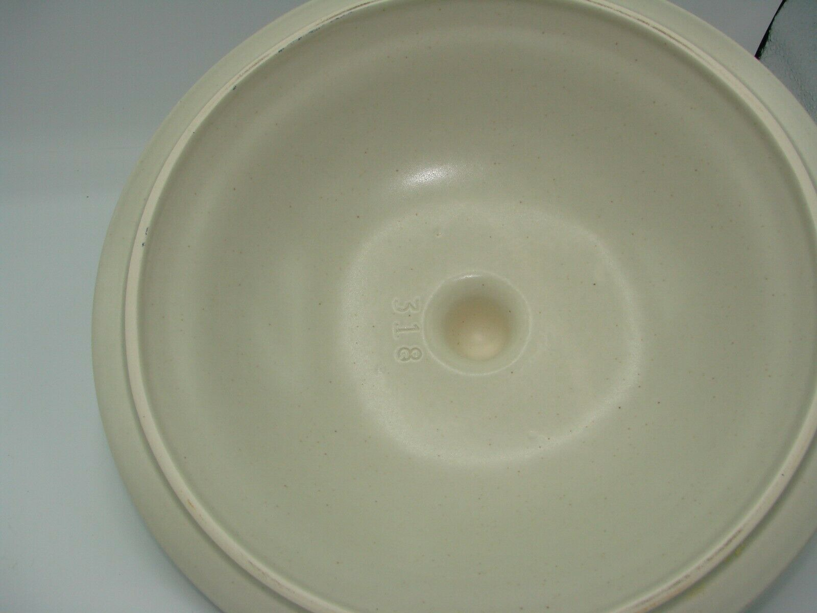 Pristine Pfaltzgraff Heirloom Covered Casserole Dish 8.75 2 Quart White Flowers image 6