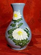 VINTAGE HANDPAINTED WHITE FLOWERS ON BLUE VASE MADE EXCLUSIVELY FOR WOOLWORTH'S image 1