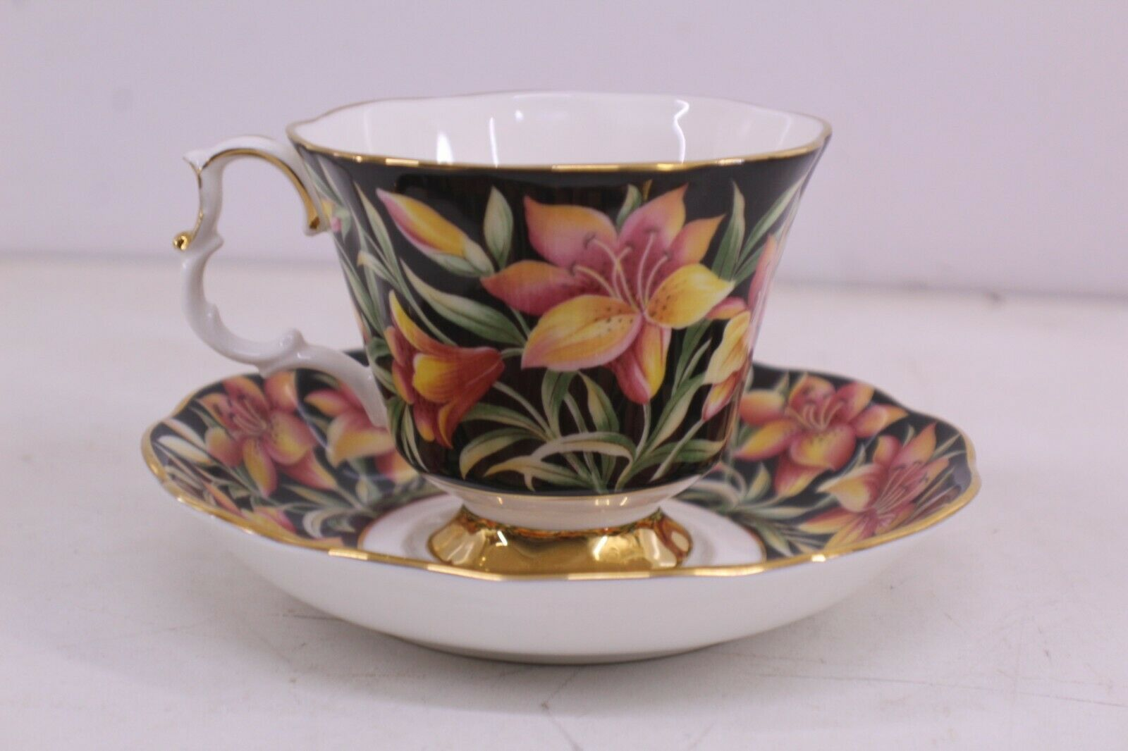 Primary image for royal albert provincial flowers prairie lily tea cup