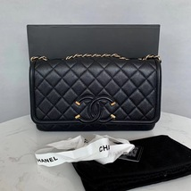 Authentic Chanel Classic Flap Caviar Quilted Large Filigree Flap Shoulder Bag image 3