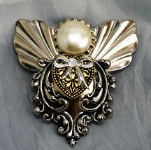 Vintage Signed 'Jane Aol' Angels Of Love Large Brooch Pin Gold/Silver Toned - $9.66
