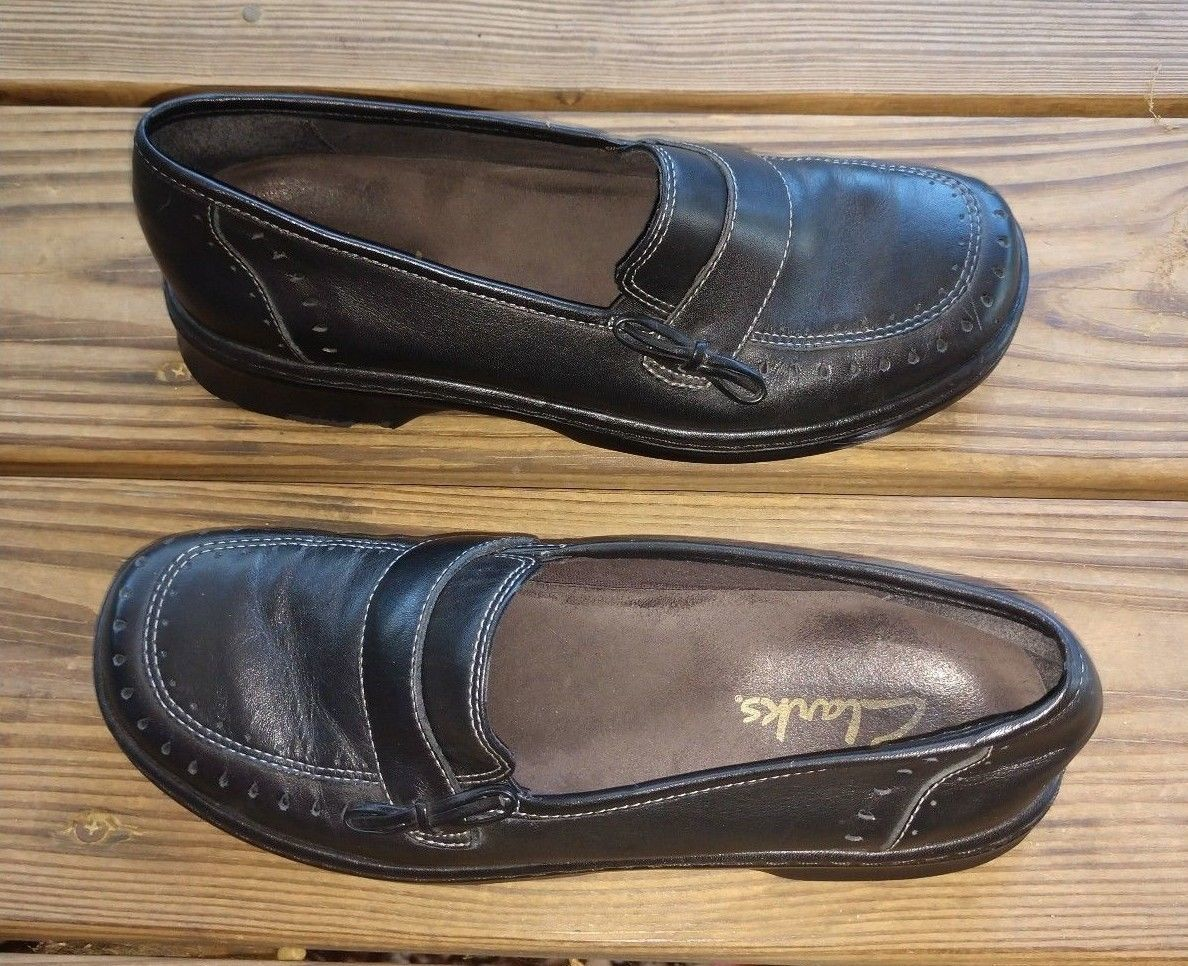 Clarks Size 7.5 Loafers Comfort Shoes Slip On Black Leather Women's Career Walk