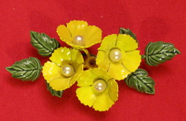 """Pin BROOCH Yellow Painted Metal Flowers with Faux Pearl Centers 2 1/2"""" ✿ VTG  - $19.75"""