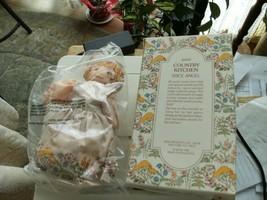 16#C   Vintage New In Box & Bag  Avon Country Kitchen Spice Angel 1982 - $9.89