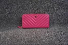 100% AUTH CHANEL Chevron Fuchsia Pink Lambskin Zip Around Wallet Clutch Bag
