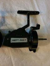 2 Vintage Swift 660 F Fishing Spinning Reels Pair Parts Repair image 3