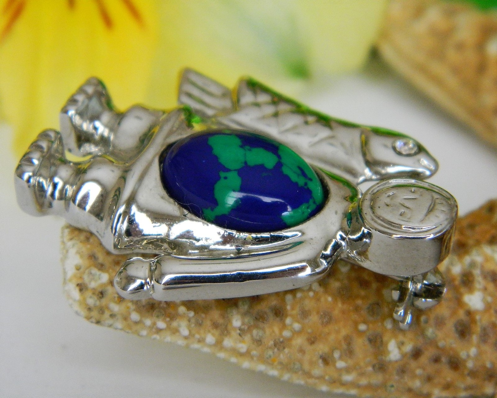 Vintage Eskimo Inuit Fish Jelly Belly Brooch Pin Silver Tone Cabochon image 11
