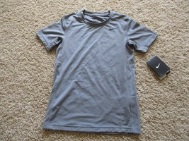 BNWT Nike® Base Layer Dri-FIT Graphic Tee, boys, regular, $25 - $20.00
