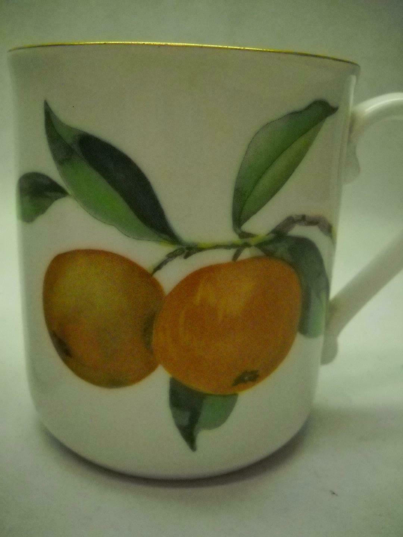 SET OF 3 Royal WORCESTER Mugs EVESHAM Collection Gold TRIM Oranges GRAPES