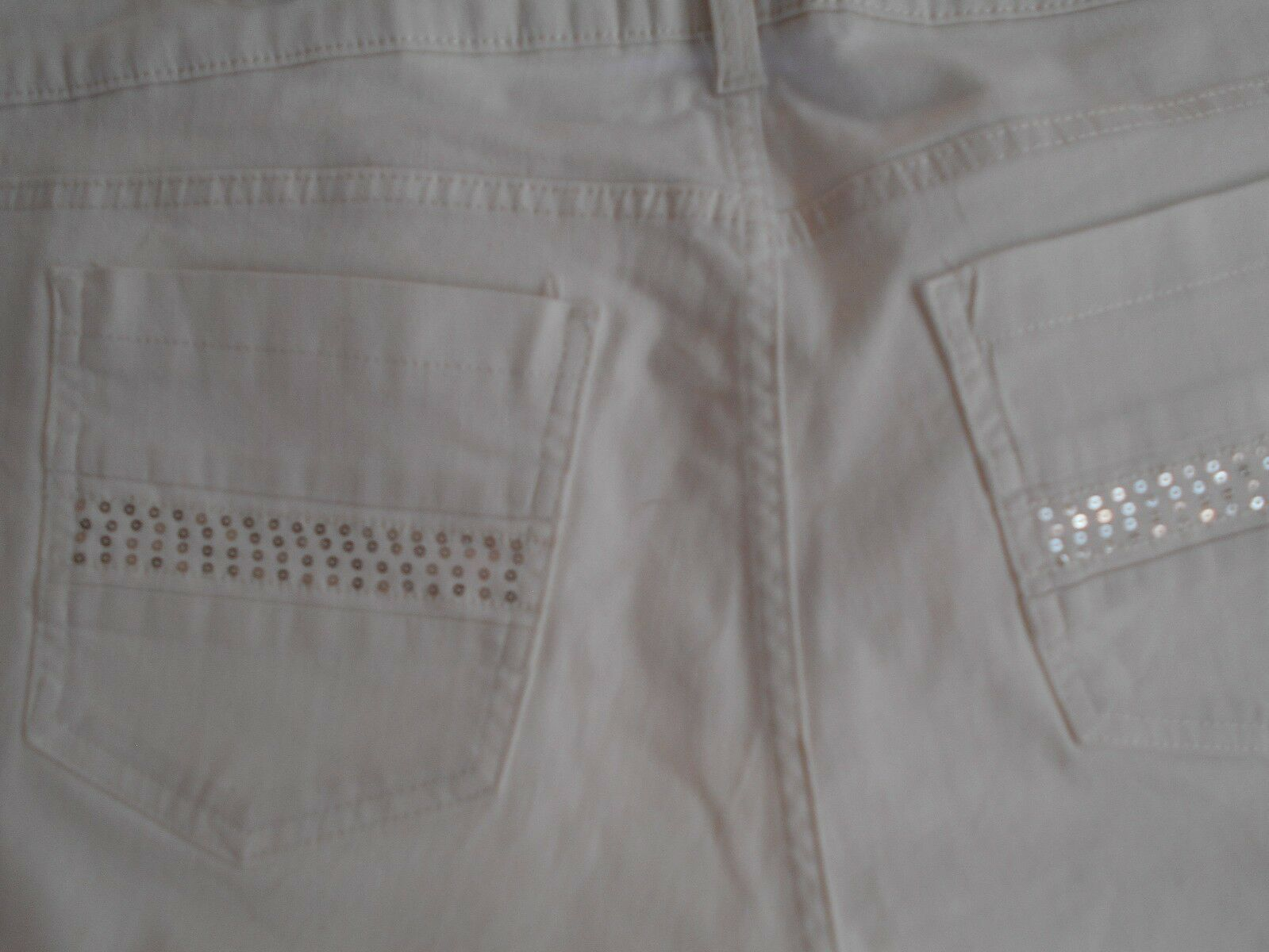 """Riders by Lee Women's Stretch Jean Bermuda SHORTS 14 WAIST 37"""" WHITE SEQUIN   image 2"""