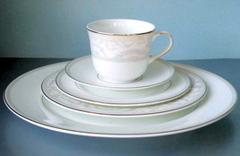 Royal Doulton Chiffon 5 Piece Place Setting Dinnerware Set Boxed New - $72.90