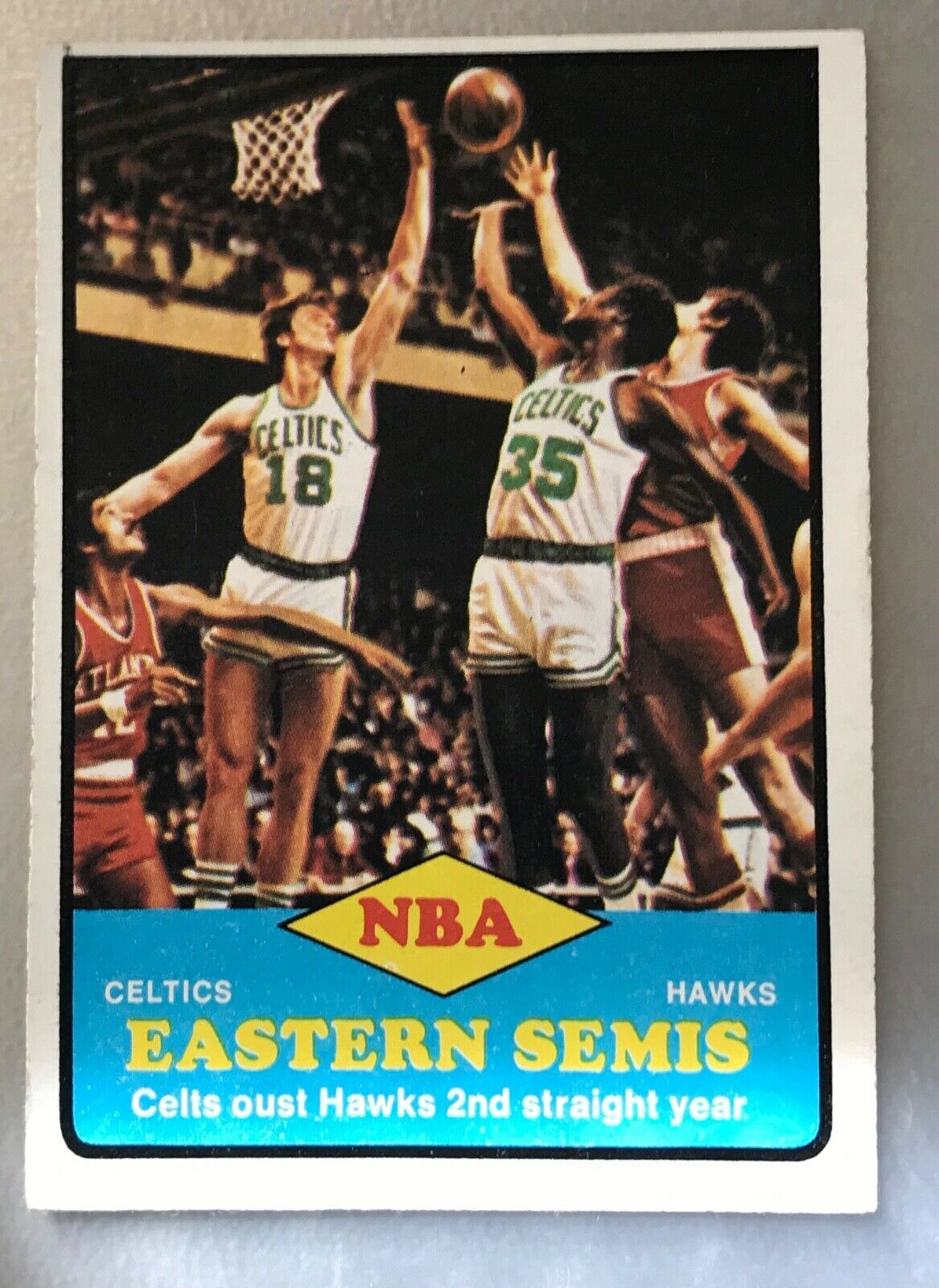1973-74 Topps #63 NBA Eastern Semis Celts oust Hawks 2nd Straight Year