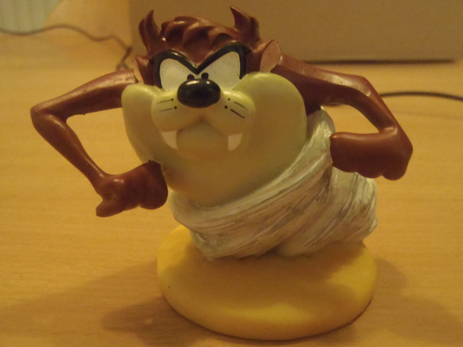 Primary image for Extremely Rare! Looney Tunes Taz Tasmanian Devil Tornado Small Figurine Statue