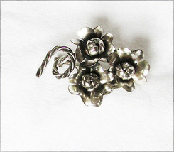 Sterling three flower vintage pin marked silver jewelry - $15.84