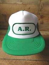 A. R. Verde Blanco Vintage Camionero Snapback Ajustable Adulto Gorra - $31.22