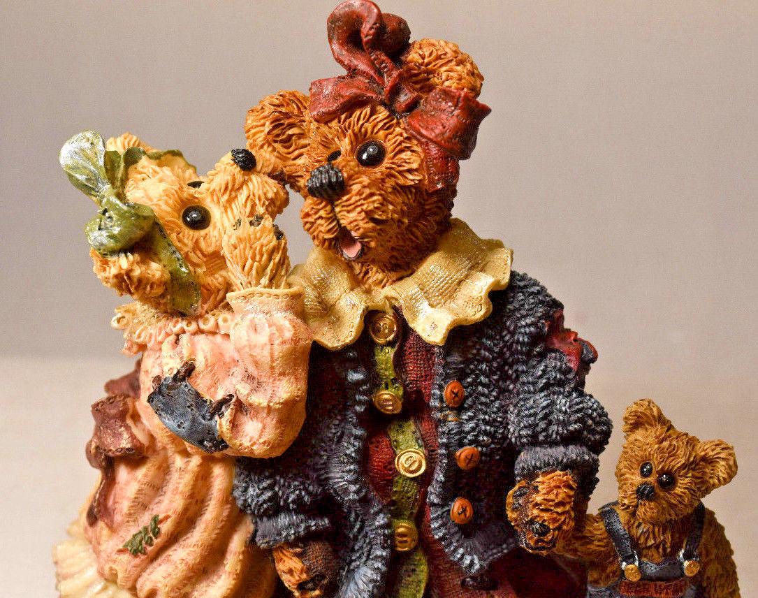 Boyds Bears: Louella & Hedda... The Secret - Style 22775 image 2