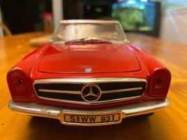 1/18 scale die cast model ANSON Mercedes Benz 280 SL convertible red image 6