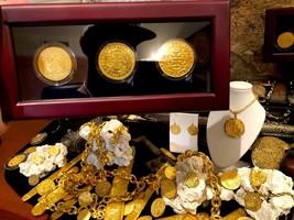3 PIECE BOX SET GLASS DIPLAY CASE SPAIN & MEXICO GOLD 8 ESCUDOS TREASURE... - $899.00