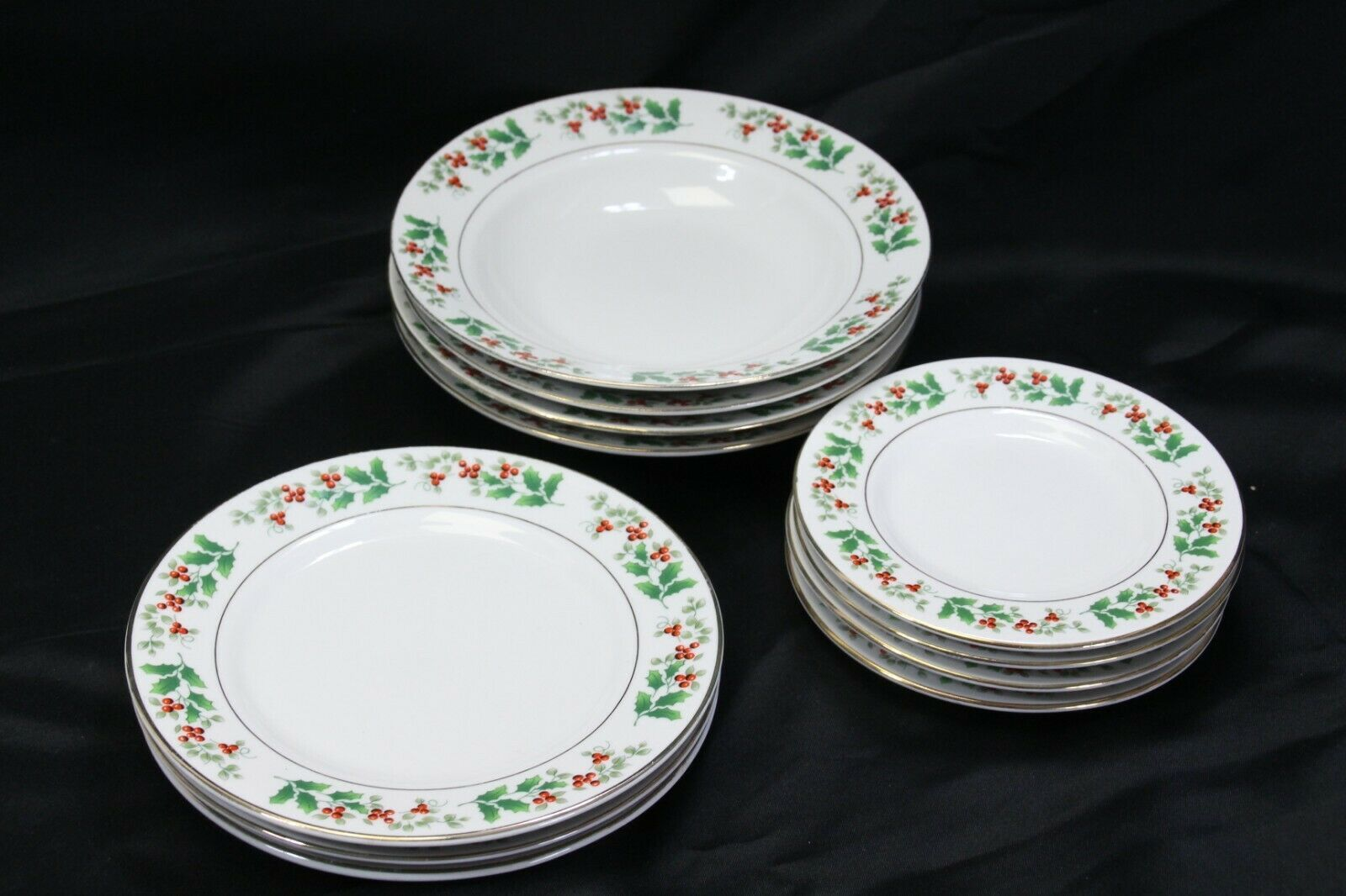 Primary image for Gibson Xmas Charm Holly Berry Rim Soup Bowls Salad Bread Plates Lot of 11