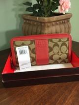 New Coach Wallet Signature Stripe Zip Khaki Beet Red 41576 MSRP $218 W28 - $67.65